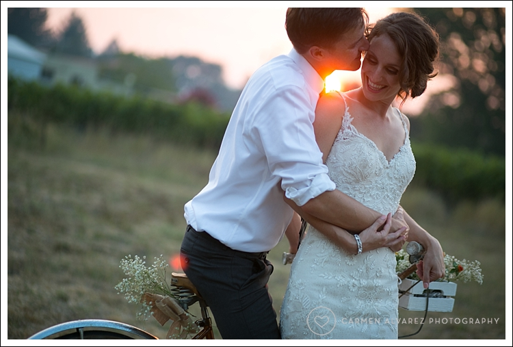 Photography of the bride and Groom at sunset at Kenwood Farms and Gardens in Sonoma on their wedding day